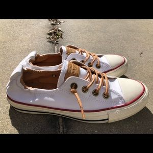 White Converse All Star size 7